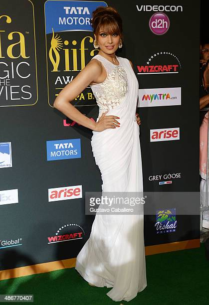 Bipasha Basu arrives to the IIFA Magic of the Movies at MIDFLORIDA Credit Union Amphitheatre on April 25 2014 in Tampa Florida