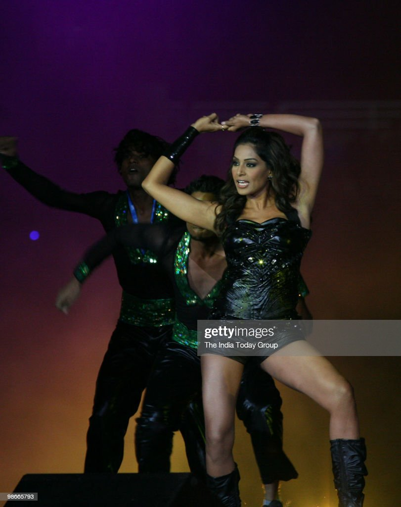 <a gi-track='captionPersonalityLinkClicked' href=/galleries/search?phrase=Bipasha+Basu&family=editorial&specificpeople=695956 ng-click='$event.stopPropagation()'>Bipasha Basu</a> performs at the IPL closing ceremony at the DY Patil Stadium in Navi Mumbai on Sunday.