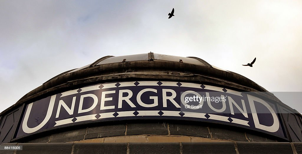 Birds fly above the Underground sign outside Clapham Common station durign the RMT Union's tube strike on June 11, 2009 in London, England. A 48 hour strike began at 7pm on Tuesday after discussions over pay and working conditions between London Underground bosses and the RMT Union failed to reach a conclusion.