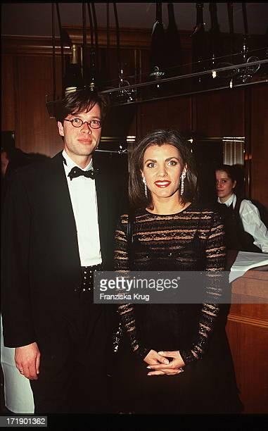 Birgit Schrowange und Frank Hoffmann bei der Unesco Benefiz Gala 281095 in Neuss
