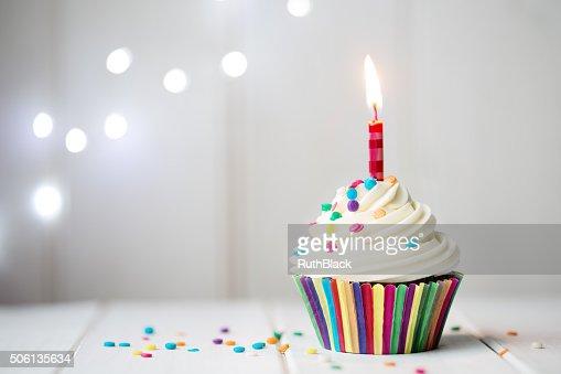 Geburtstag Cupcake Stock Foto Thinkstock