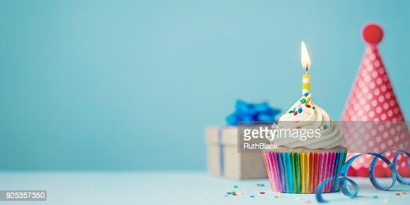 Cumpleaños magdalena con glaseado : Foto de stock