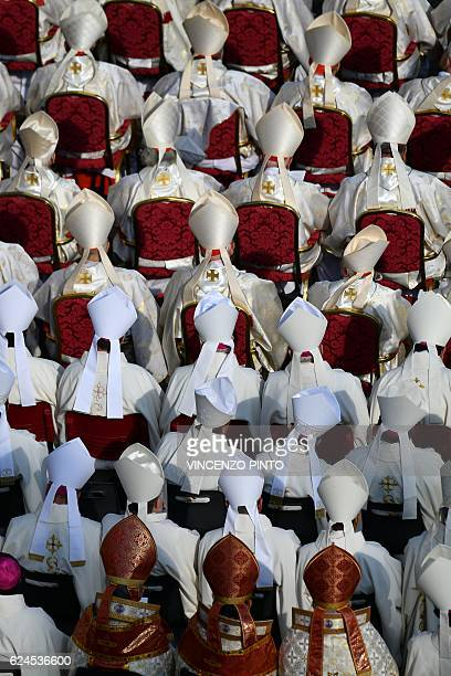 Bishops and cardinals attend a holy mass for the closing of the Jubilee of Mercy on November 20 2016 at St Peter's square in Vatican / AFP / VINCENZO...