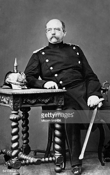 Bismarck Otto von *18151898Politician Germany1862 1890 Minister President of Prussia1871 1890 Reich Chancellorportrait around 1890