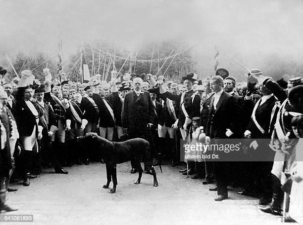 Bismarck Otto von *18151898Politiker DReichskanzler 1871 1890empfängt in Kissingen Vertreterstudentischer Verbindungen die eineHuldigungsfahrt zu ihm...