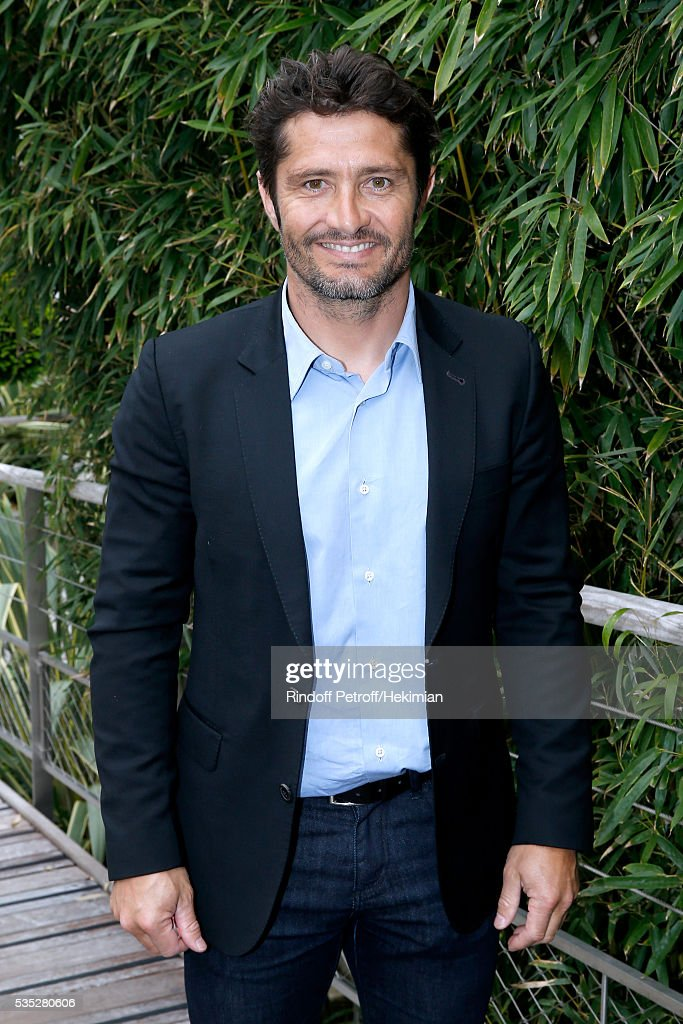 <a gi-track='captionPersonalityLinkClicked' href=/galleries/search?phrase=Bixente+Lizarazu&family=editorial&specificpeople=213089 ng-click='$event.stopPropagation()'>Bixente Lizarazu</a> attends Day Height of the 2016 French Tennis Open at Roland Garros on May 29, 2016 in Paris, France.