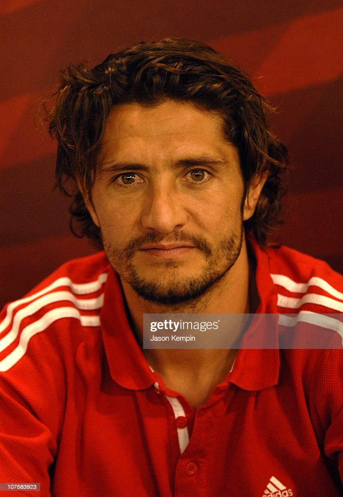 <a gi-track='captionPersonalityLinkClicked' href=/galleries/search?phrase=Bixente+Lizarazu&family=editorial&specificpeople=213089 ng-click='$event.stopPropagation()'>Bixente Lizarazu</a> during FC Bayern Munich In Store Appearance In New York City - May 26, 2006 at Adidas Sports Performance Store in New York City, New York.