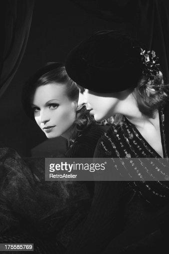 Femme fatale photos et images de collection getty images for Miroir noir film