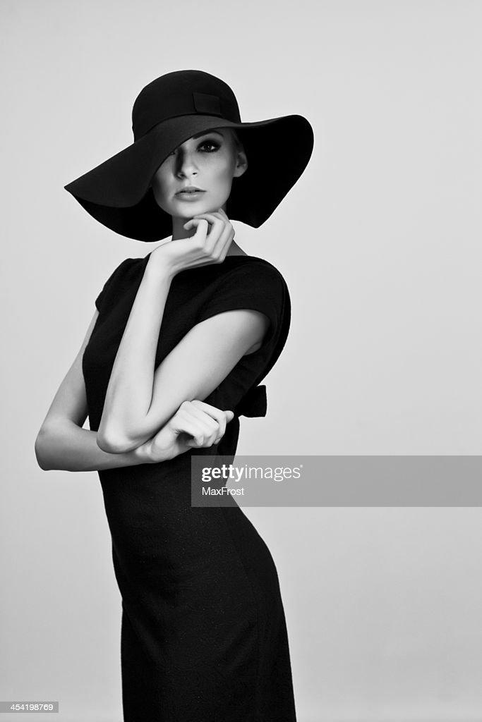 Preto e Branco Retrato da mulher elegante : Foto de stock
