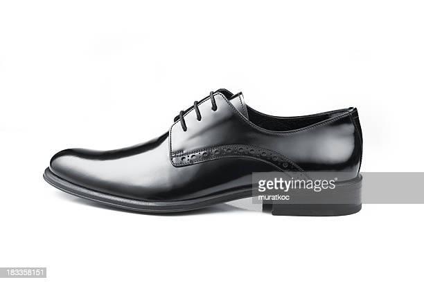 ブラックレザーの男性の靴