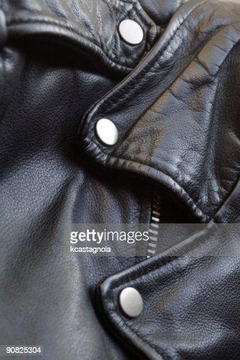ブラックのレザーモーターサイクルジャケット