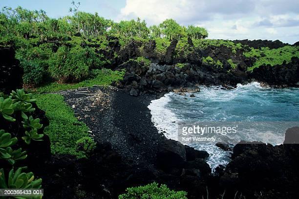 Black Sand Beach, Waianapanapa State Park, Maui, Hawaii, USA, elevated view