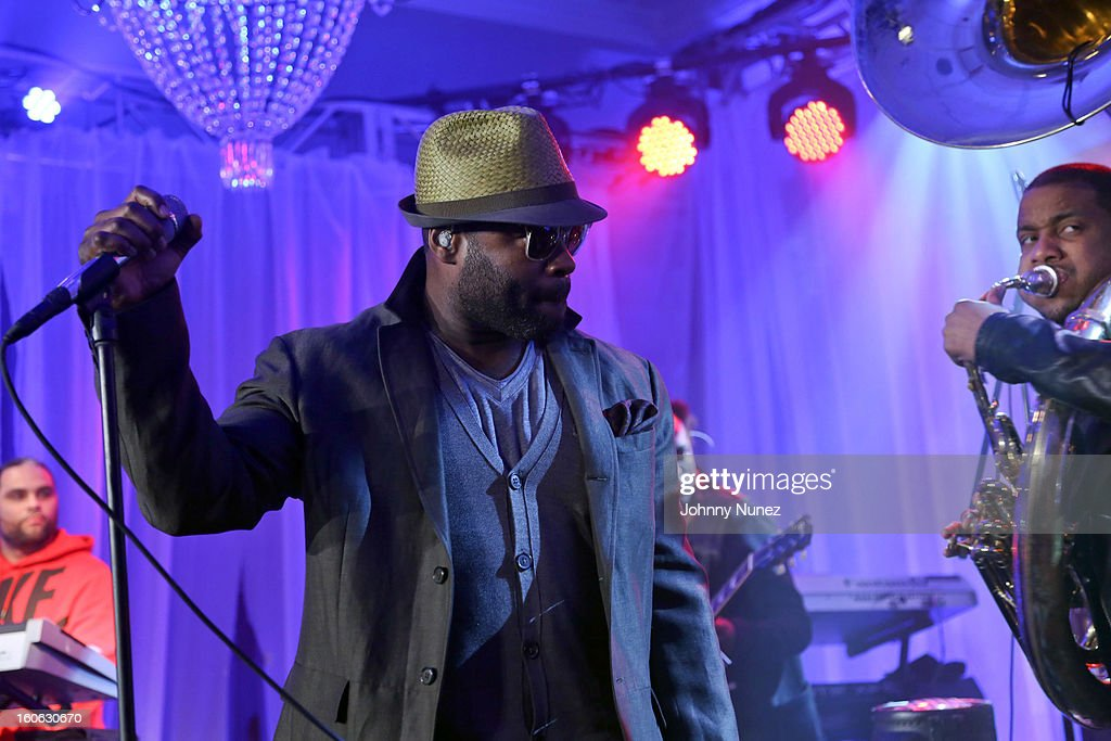 <a gi-track='captionPersonalityLinkClicked' href=/galleries/search?phrase=Black+Thought&family=editorial&specificpeople=228555 ng-click='$event.stopPropagation()'>Black Thought</a> of <a gi-track='captionPersonalityLinkClicked' href=/galleries/search?phrase=The+Roots+-+Band&family=editorial&specificpeople=234784 ng-click='$event.stopPropagation()'>The Roots</a> perform at The Pepsi 5th Quarter on February 3, 2013 in New Orleans, Louisiana.