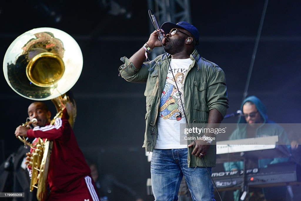 <a gi-track='captionPersonalityLinkClicked' href=/galleries/search?phrase=Black+Thought&family=editorial&specificpeople=228555 ng-click='$event.stopPropagation()'>Black Thought</a> of The Roots performs at Day 3 of Bestival at Robin Hill Country Park on September 7, 2013 in Newport, Isle of Wight.