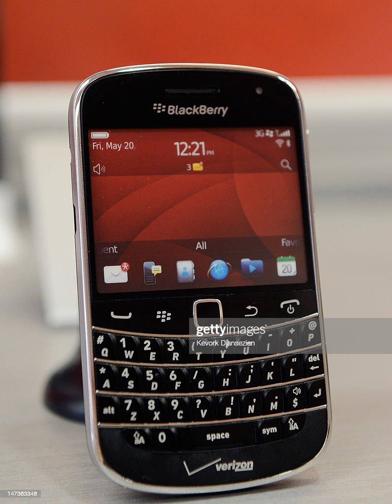 Blackberry Bold 9930 smartphone sits on display for sale at Verizon store on June 28, 2012 in Los Angeles, California. Blackberry maker Research In Motion Ltd., will report its quarterly earnings on Thursday.