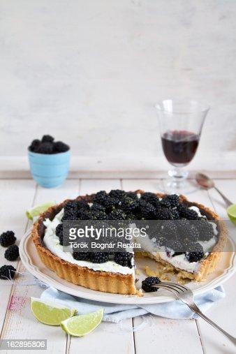 Blackberry, lime and mascarpone tart : Stock Photo