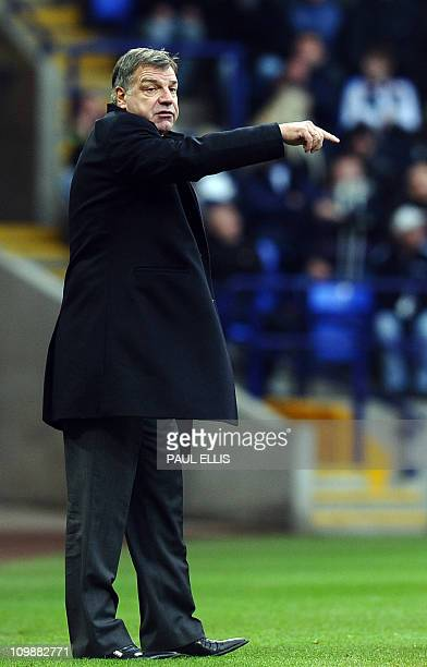 Blackburn manager Sam Allardyce shouts to his players during the English Premiership football match between Bolton Wanderers and Blackburn Rovers at...