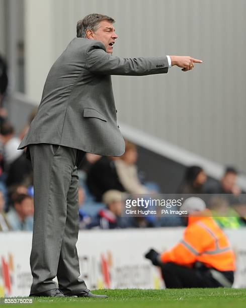 Blackburn Rovers manager Sam Allardyce shouts instructions from the touchline