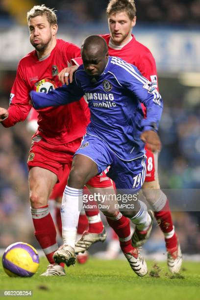 Blackburn Rovers' Stephane Henchoz and Paul Gallagher and Chelsea's Lassana Diarra