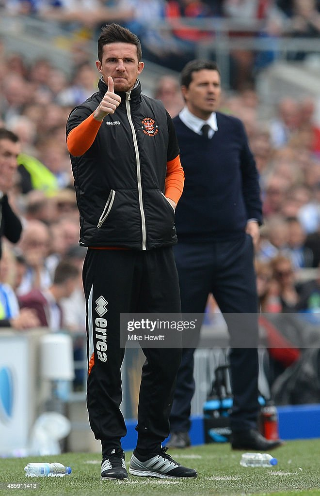 Blackpool caretaker manager Barry Ferguson shouts encouragement during the Sky Bet Championship match between Brighton Hove Albion and Blackpool at...