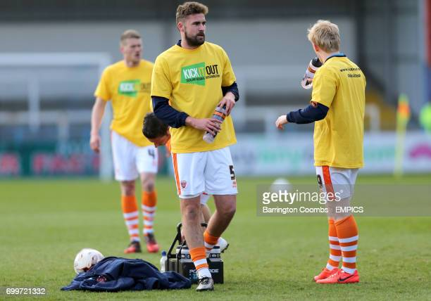 Blackpool's Clark Robertson and Mark Cullen training before the game