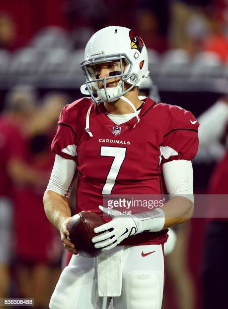 Blaine Gabbert of the Arizona Cardinals prepares for a game against the Chicago Bears at University of Phoenix Stadium on August 19 2017 in Glendale...