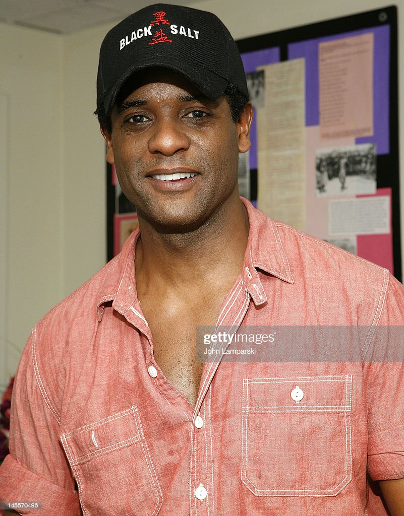 <a gi-track='captionPersonalityLinkClicked' href=/galleries/search?phrase=Blair+Underwood&family=editorial&specificpeople=215367 ng-click='$event.stopPropagation()'>Blair Underwood</a> attends 'A Streetcar Named Desire' at The Broadhurst Theatre on June 1, 2012 in New York City.