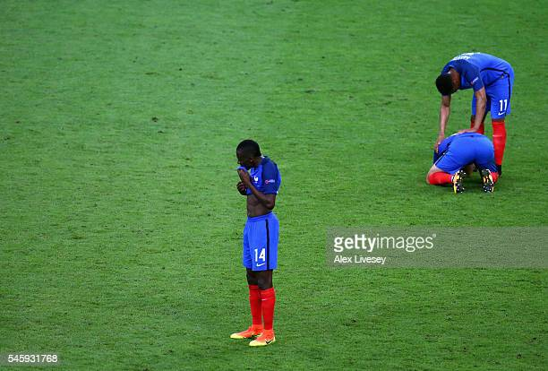 Blaise Matuidi and France players show their dejection after their 01 defeat in the UEFA EURO 2016 Final match between Portugal and France at Stade...