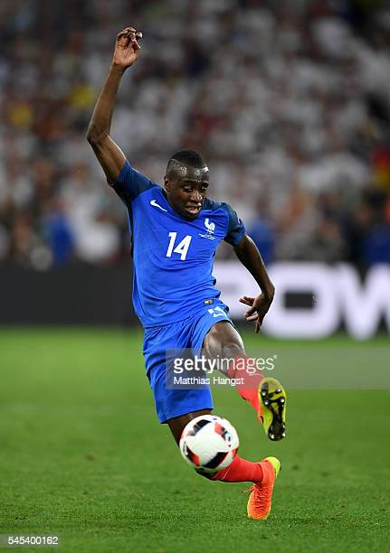 Blaise Matuidi of France runs with the ball during the UEFA EURO semi final match between Germany and France at Stade Velodrome on July 7 2016 in...
