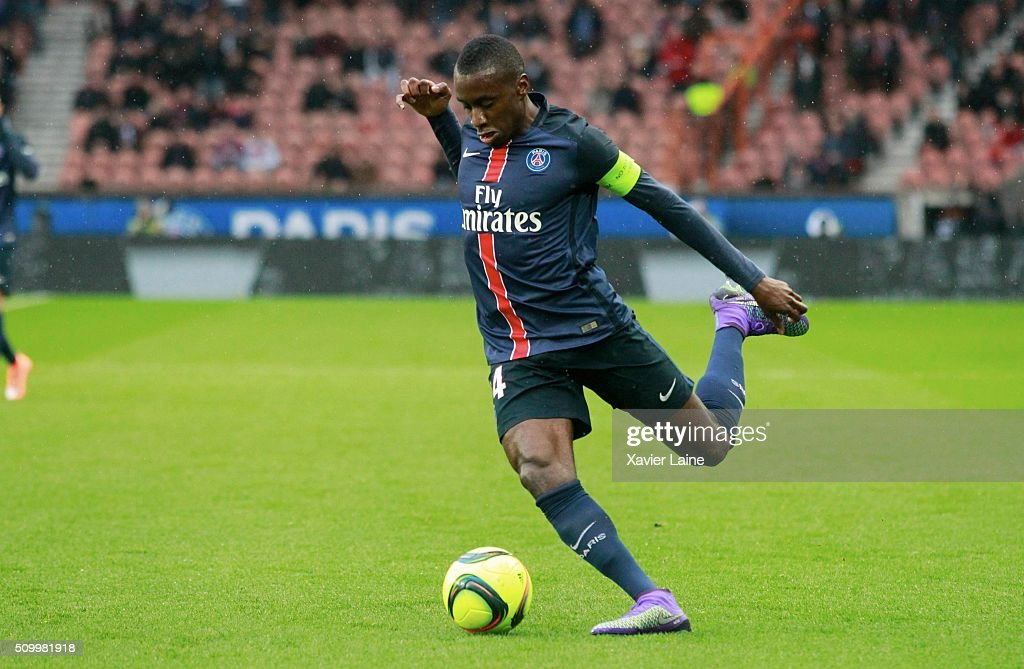 <a gi-track='captionPersonalityLinkClicked' href=/galleries/search?phrase=Blaise+Matuidi&family=editorial&specificpeople=801779 ng-click='$event.stopPropagation()'>Blaise Matuidi</a> of Paris Saint-Germain during the French Ligue 1 between Paris Saint-Germain and Lille OSC at Parc Des Princes on february 13, 2016 in Paris, France.