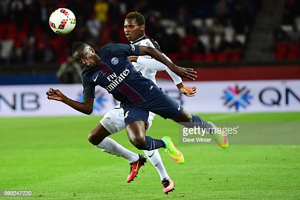 Blaise Matuidi of PSG and Ismaila Sarr of Metz during the Ligue 1 match between Paris Saint Germain PSG and Fc Metz at Parc des Princes on August 21...