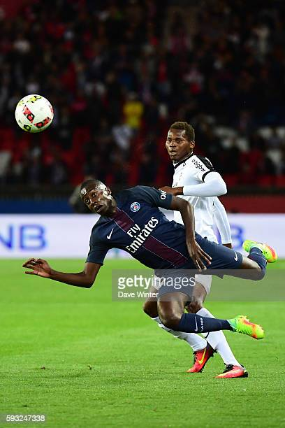 Blaise Matuidi of PSG and Ismaila Sarr of Metzduring the Ligue 1 match between Paris Saint Germain PSG and Fc Metz at Parc des Princes on August 21...