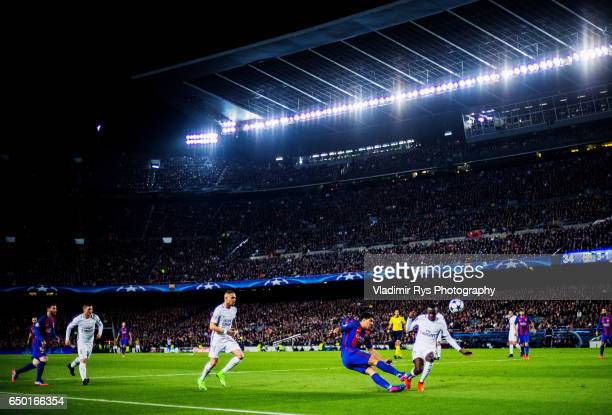 Blaise Matuidi of PSG challenges Luis Suarez of Barcelona for the ball during the UEFA Champions League Round of 16 second leg match between FC...