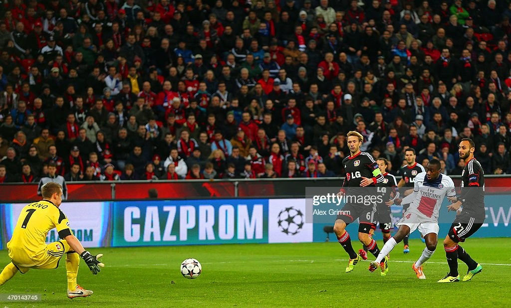 Blaise Matuidi of PSG scores their first goal past Bernd Leno of Bayer Leverkusen during the UEFA Champions League Round of 16 first leg match between Bayer Leverkusen and Paris Saint-Germain FC at BayArena on February 18, 2014 in Leverkusen, Germany.
