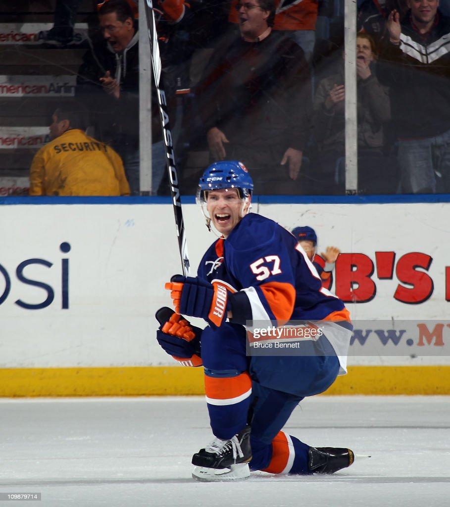 Toronto Maple Leafs v New York Islanders
