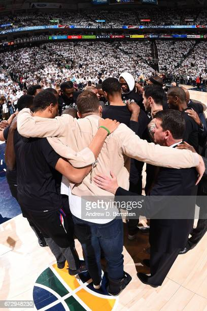 Blake Griffin of the LA Clippers huddles up with his team before Game Four of the Western Conference Quarterfinals against the Utah Jazz of the 2017...