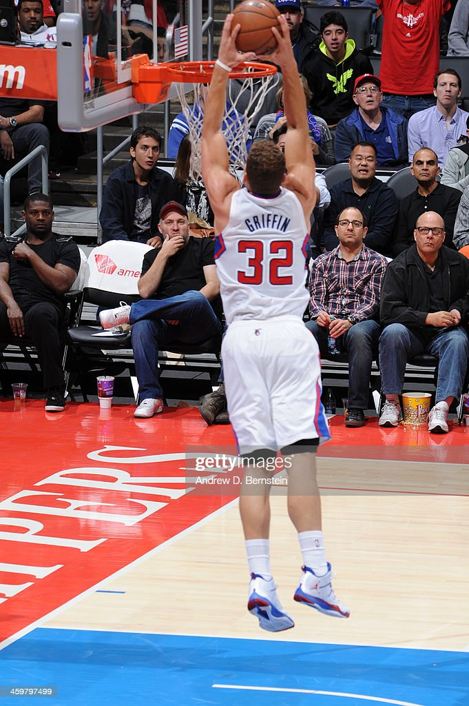 <a gi-track='captionPersonalityLinkClicked' href=/galleries/search?phrase=Blake+Griffin+-+Basketball+Player&family=editorial&specificpeople=4216010 ng-click='$event.stopPropagation()'>Blake Griffin</a> #32 of the Los Angeles Clippers attempts a dunk during a game against the Phoenix Suns at STAPLES Center on December 30, 2013 in Los Angeles, California.