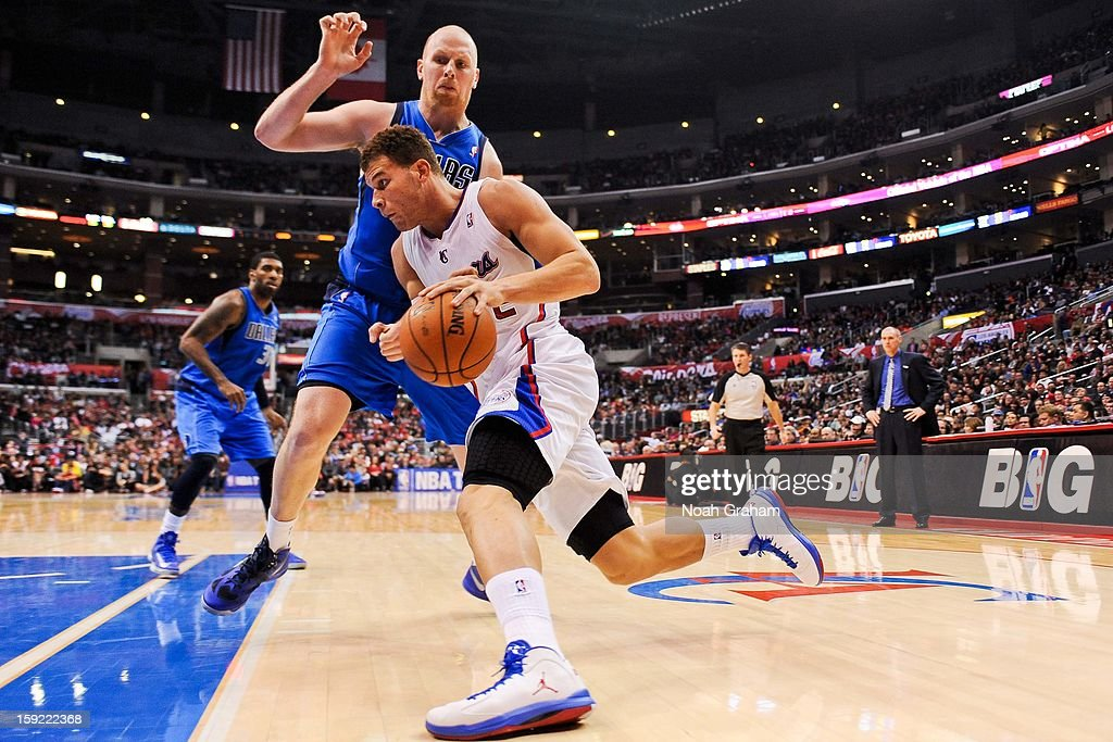 <a gi-track='captionPersonalityLinkClicked' href=/galleries/search?phrase=Blake+Griffin+-+Basketball+Player&family=editorial&specificpeople=4216010 ng-click='$event.stopPropagation()'>Blake Griffin</a> #32 of the Los Angeles Clippers drives against <a gi-track='captionPersonalityLinkClicked' href=/galleries/search?phrase=Chris+Kaman&family=editorial&specificpeople=201661 ng-click='$event.stopPropagation()'>Chris Kaman</a> #35 of the Dallas Mavericks at Staples Center on January 9, 2013 in Los Angeles, California.