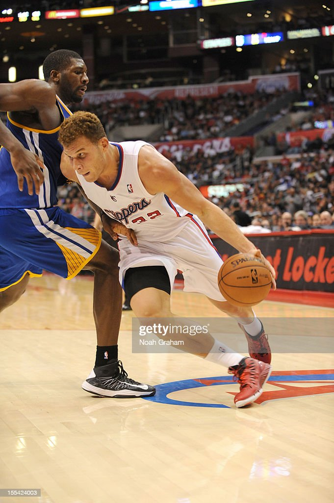 <a gi-track='captionPersonalityLinkClicked' href=/galleries/search?phrase=Blake+Griffin+-+Basketspelare&family=editorial&specificpeople=4216010 ng-click='$event.stopPropagation()'>Blake Griffin</a> #32 of the Los Angeles Clippers drives during the game between the Los Angeles Clippers and the Golden State Warriors at Staples Center on November 3, 2012 in Los Angeles, California.