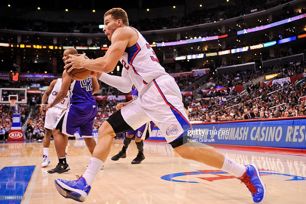 Blake Griffin #32 of the Los Angeles Clippers drives to the basket against the Sacramento Kings at Staples Center on December 21, 2012 in Los Angeles, California.
