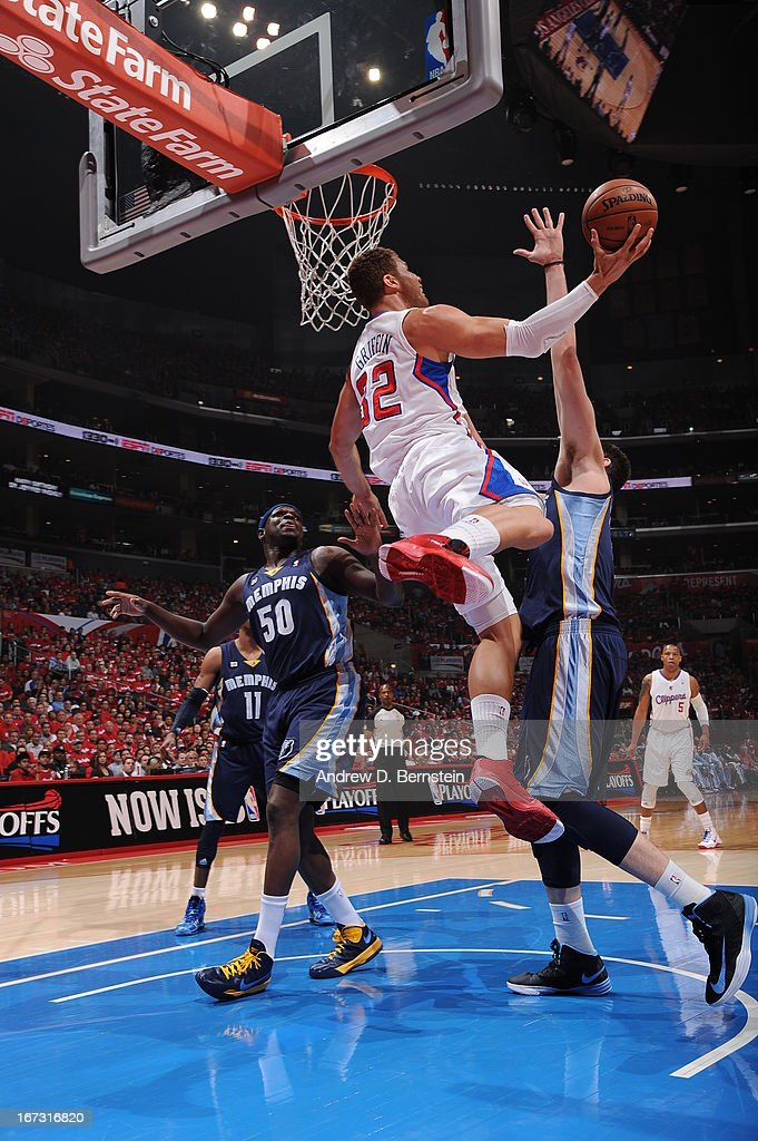 Blake Griffin #32 of the Los Angeles Clippers drives to the basket against the Memphis Grizzlies at Staples Center in Game Two of the Western Conference Quarterfinals during the 2013 NBA Playoffs on April 22, 2013 in Los Angeles, California.