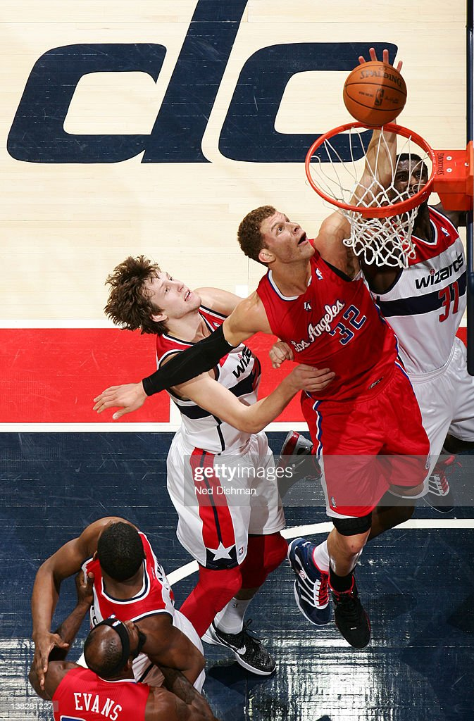 <a gi-track='captionPersonalityLinkClicked' href=/galleries/search?phrase=Blake+Griffin+-+Basketball+Player&family=editorial&specificpeople=4216010 ng-click='$event.stopPropagation()'>Blake Griffin</a> #32 of the Los Angeles Clippers dunks against <a gi-track='captionPersonalityLinkClicked' href=/galleries/search?phrase=Jan+Vesely&family=editorial&specificpeople=5620499 ng-click='$event.stopPropagation()'>Jan Vesely</a> #24 of the Washington Wizards during the game at the Verizon Center on February 4, 2012 in Washington, DC.