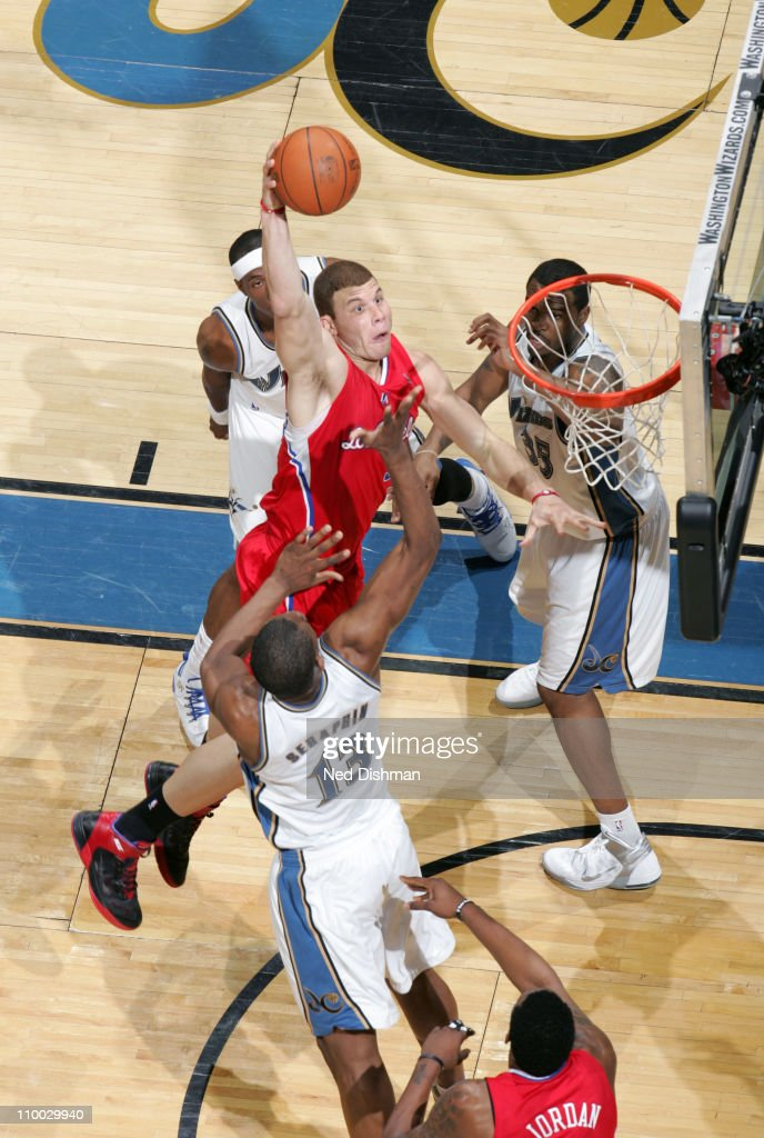 <a gi-track='captionPersonalityLinkClicked' href=/galleries/search?phrase=Blake+Griffin+-+Basketball+Player&family=editorial&specificpeople=4216010 ng-click='$event.stopPropagation()'>Blake Griffin</a> #32 of the Los Angeles Clippers dunks against <a gi-track='captionPersonalityLinkClicked' href=/galleries/search?phrase=Kevin+Seraphin&family=editorial&specificpeople=6474998 ng-click='$event.stopPropagation()'>Kevin Seraphin</a> #13 of the Washington Wizards at the Verizon Center on March 12, 2011 in Washington, DC.
