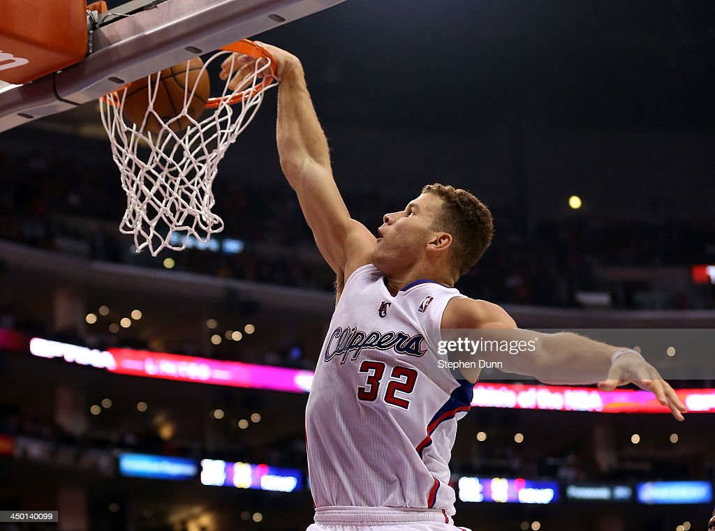 Blake Griffin #32 of the Los Angeles Clippers dunks against the Brooklyn Nets at Staples Center on November 16, 2013 in Los Angeles, California. The Clippers won 110-103.