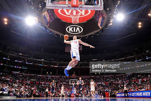 Blake Griffin of the Los Angeles Clippers dunks against the Memphis Grizzlies at Staples Center on October 31 2012 in Los Angeles California NOTE TO...