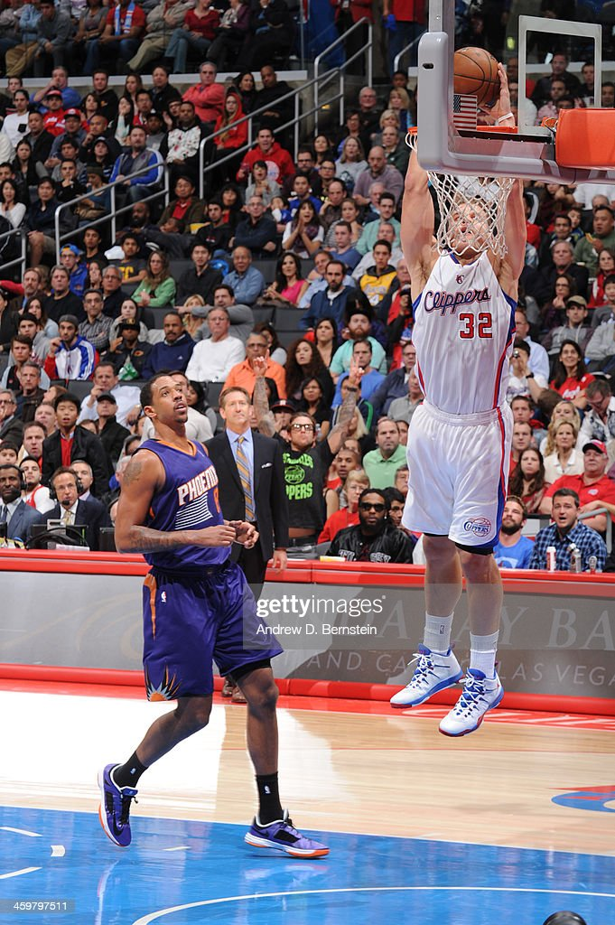 <a gi-track='captionPersonalityLinkClicked' href=/galleries/search?phrase=Blake+Griffin+-+Basketball+Player&family=editorial&specificpeople=4216010 ng-click='$event.stopPropagation()'>Blake Griffin</a> #32 of the Los Angeles Clippers dunks during a game against the Phoenix Suns at STAPLES Center on December 30, 2013 in Los Angeles, California.