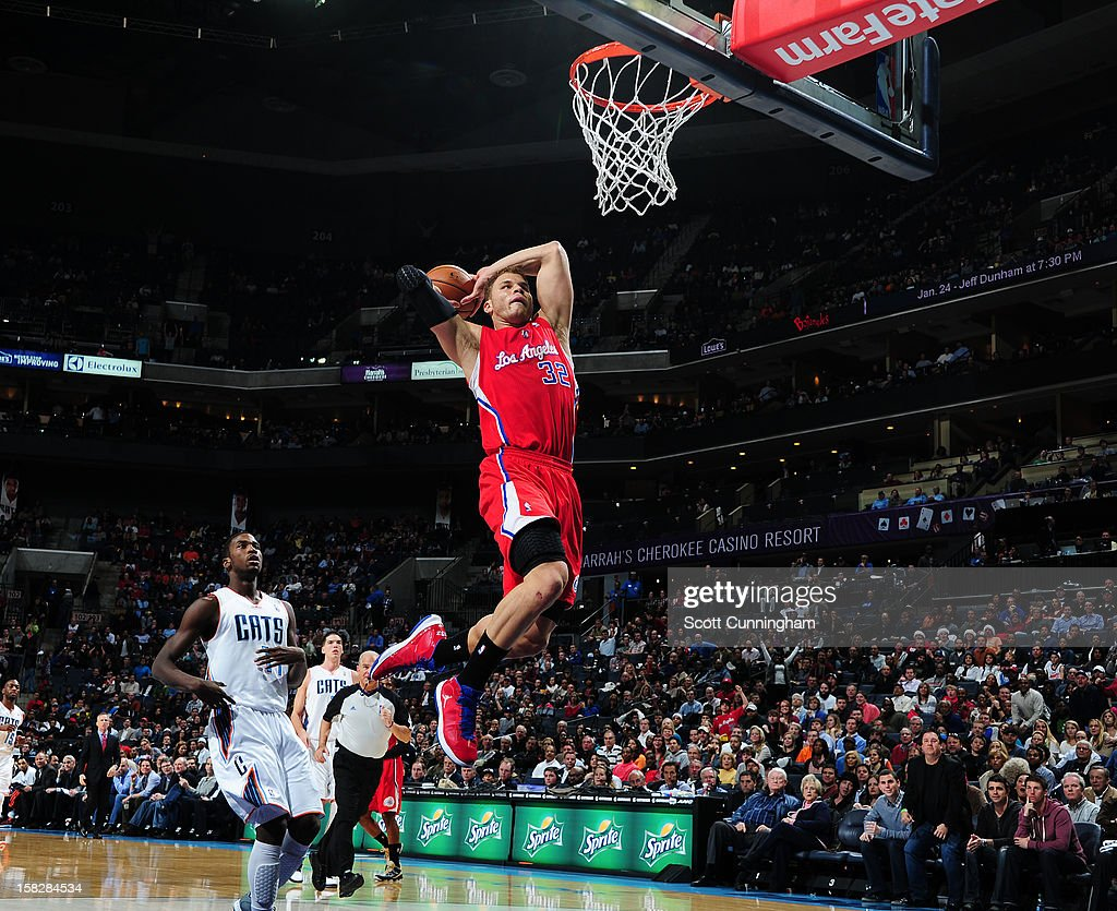 Blake Griffin #32 of the Los Angeles Clippers dunks the ball against Charlotte Bobcats at Time Warner Cable Arena on December 12, 2012 in Charlotte, North Carolina.
