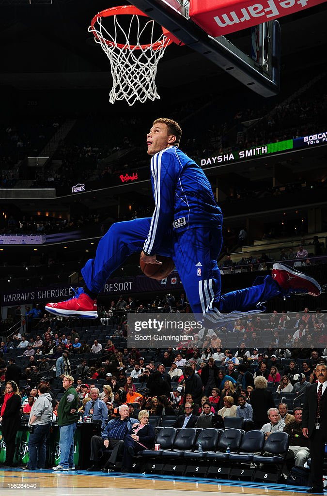 Blake Griffin #32 of the Los Angeles Clippers dunks the ball before the game against the Charlotte Bobcats at Time Warner Cable Arena on December 12, 2012 in Charlotte, North Carolina.