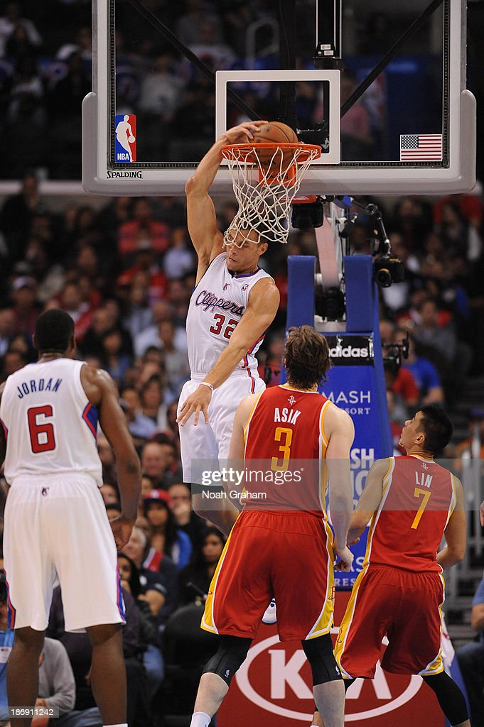 Blake Griffin #32 of the Los Angeles Clippers goes up for a dunk against the Houston Rockets at Staples Center on November 4, 2013 in Los Angeles, California.