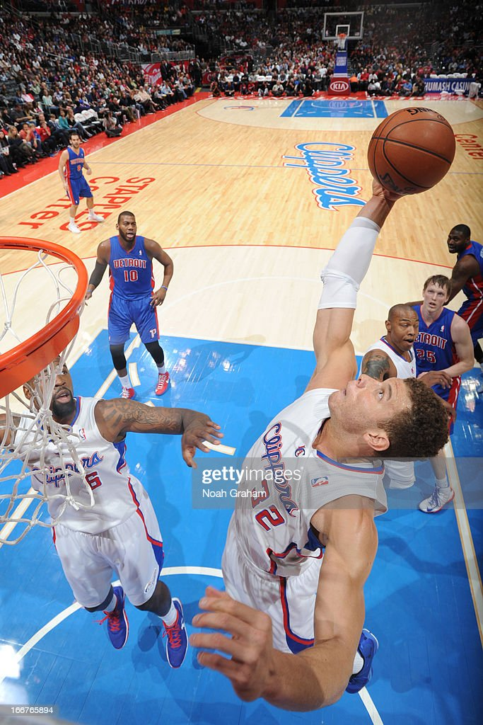 <a gi-track='captionPersonalityLinkClicked' href=/galleries/search?phrase=Blake+Griffin+-+Basketball+Player&family=editorial&specificpeople=4216010 ng-click='$event.stopPropagation()'>Blake Griffin</a> #32 of the Los Angeles Clippers grabs the ball against the Detroit Pistons at Staples Center on March 10, 2013 in Los Angeles, California.